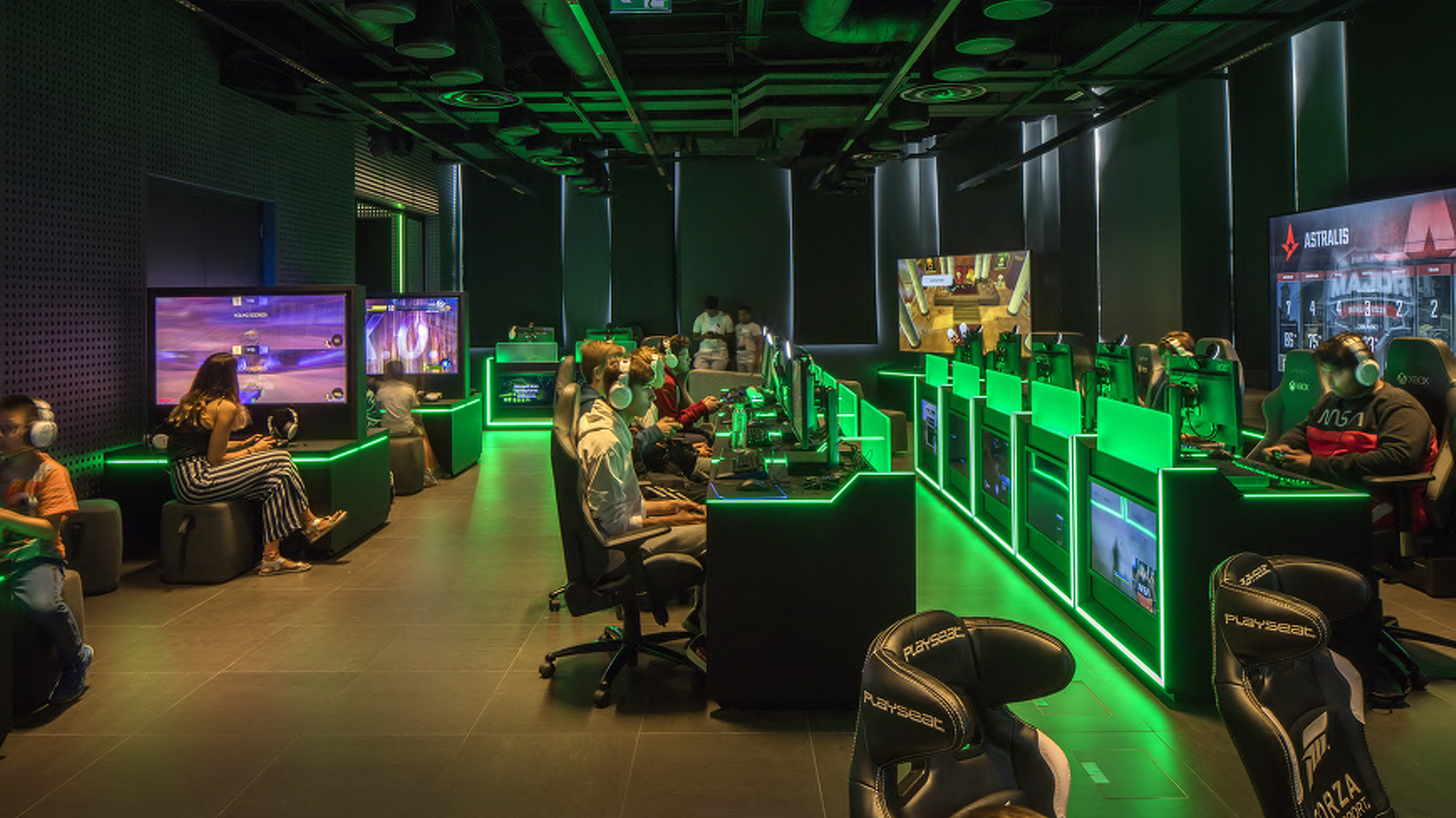 Gamers can play games and compete in e-tournaments in the Gaming Lounge